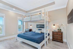 image of VRBO bunk bed
